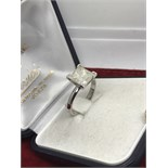 IMPRESSIVE 3.14ct PRINCESS CUT DIAMOND SOLITAIRE RING