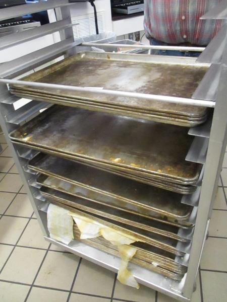 Lot 18 - 30 Aluminum Sheet Pans