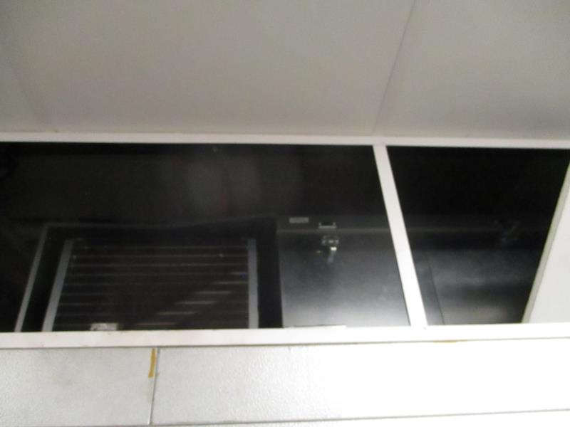 Walk In Cooler / Freezer Combo Unit, (2) Exterior Doors, Drop In Compressors, Overall: 12' x 6' x - Image 4 of 11