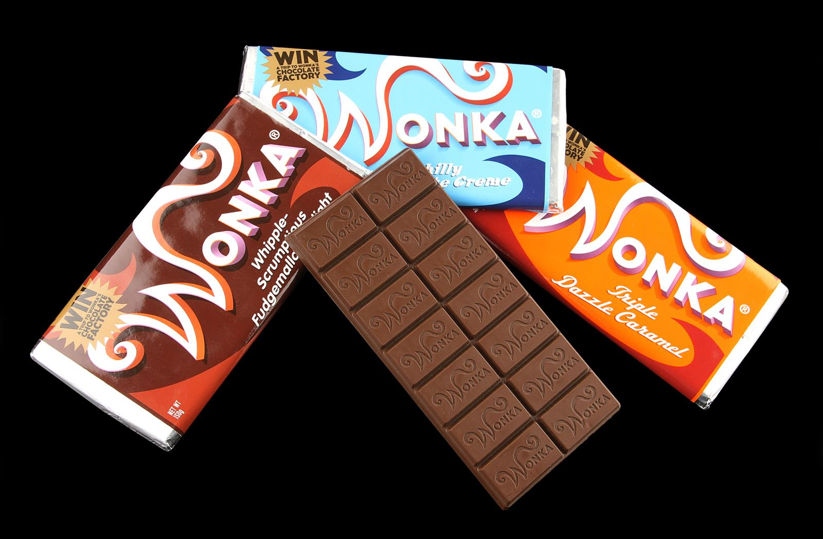 CHARLIE AND THE CHOCOLATE FACTORY (2005) - Set of Wonka Bars A set ...