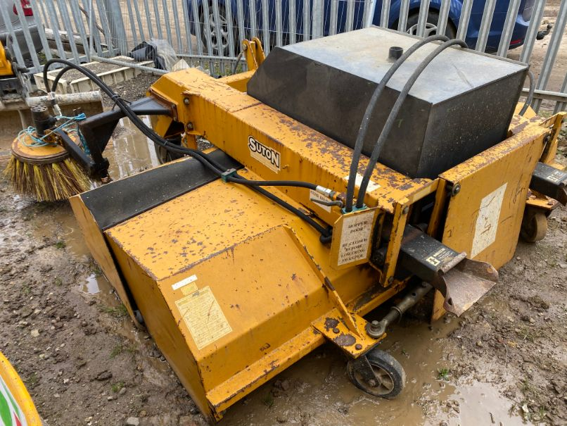 Suton FSC213 road sweeper/collector attachment: serial no: 22773 (2008) - Image 3 of 4