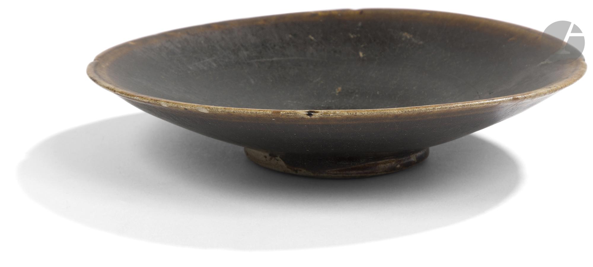 CHINE, Fours de Yaozhou - Époque SONG (960 - 1279) Bol en grès émaillé céladon craquelé à motif - Image 3 of 3
