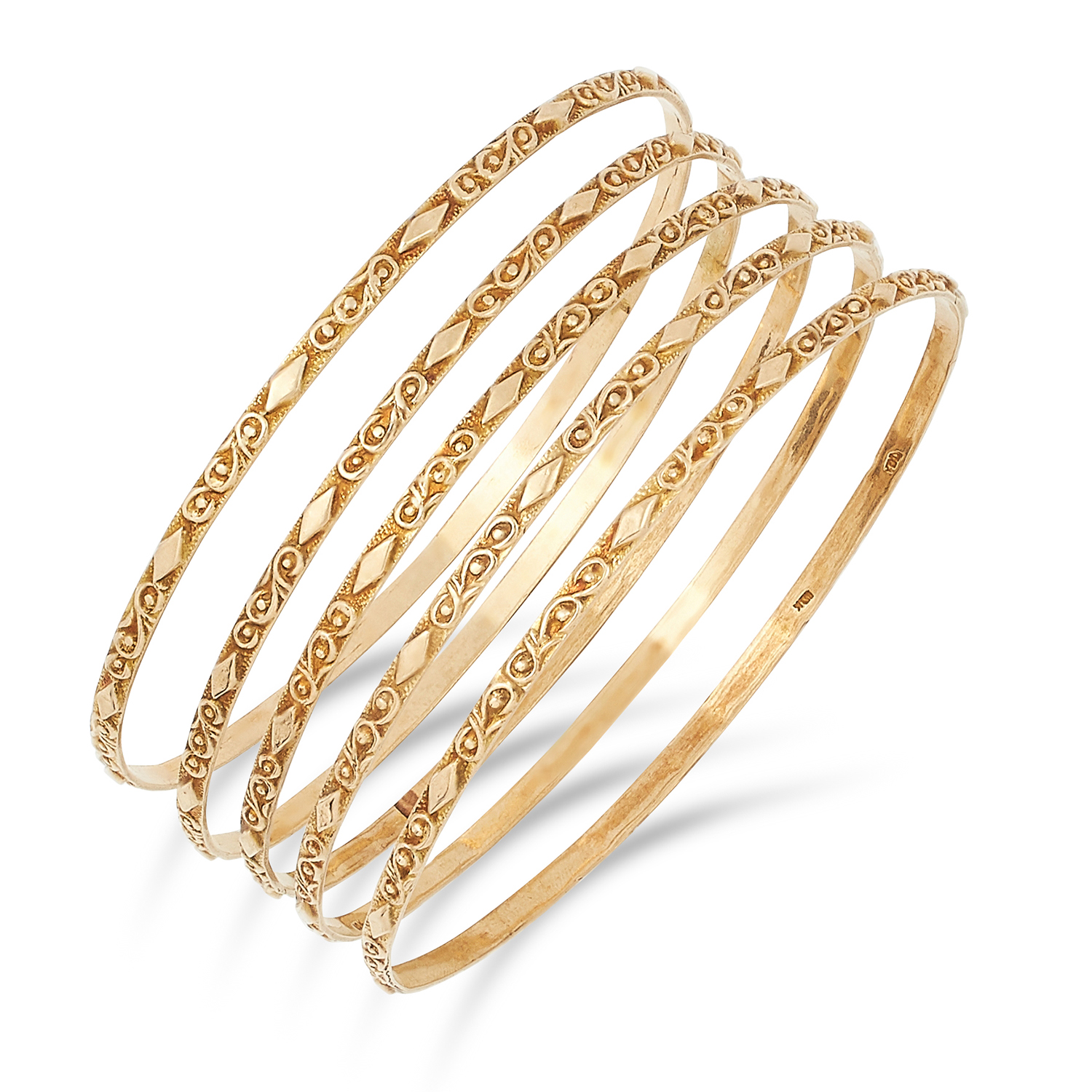 Los 23 - FIVE GOLD BANGLES, with textured design, inner diameter: 6.5cm, 24.7g.