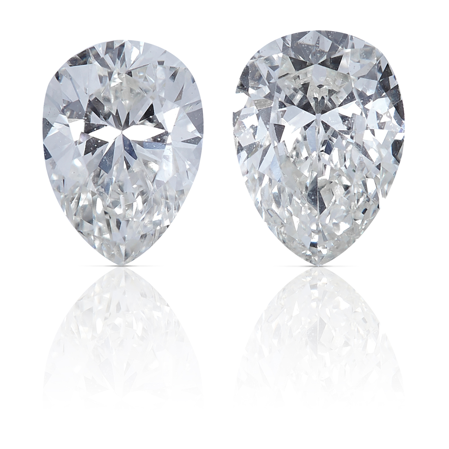 TWO PEAR SHAPED BRILLIANT CUT DIAMONDS, TOTALLING 0.65cts, UNMOUNTED.