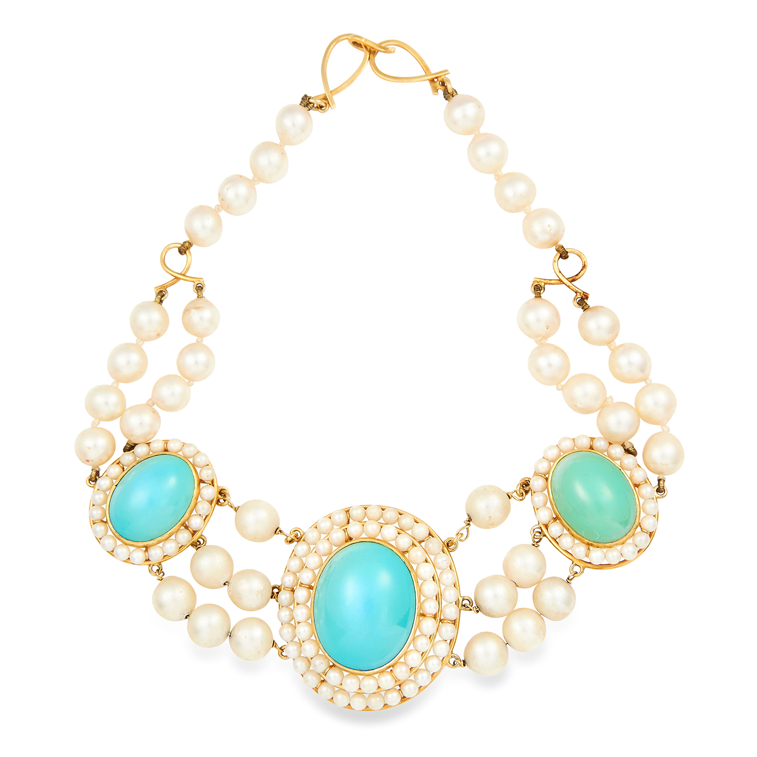 Los 44 - TURQUOISE AND PEARL EARRINGS AND NECKLACE SUITE set with cabochon turquoise in a cluster of