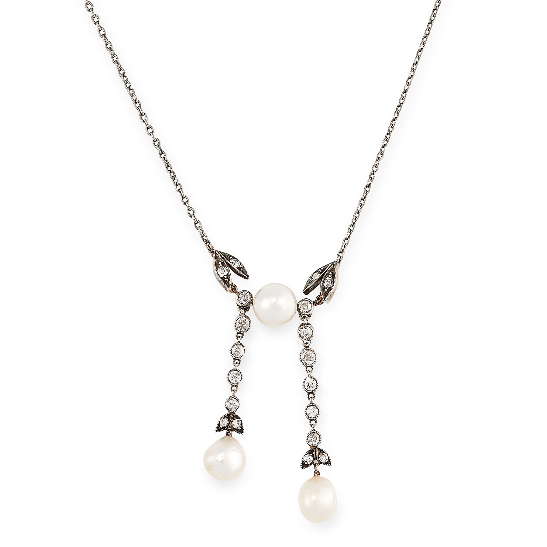AN ANTIQUE NATURAL PEARL AND DIAMOND LAVALIER NECKLACE in yellow gold and silver, set with round cut
