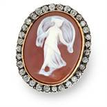 AN ANTIQUE CAMEO AND DIAMOND RING in 18ct yellow gold and silver, set with an oval carved cameo