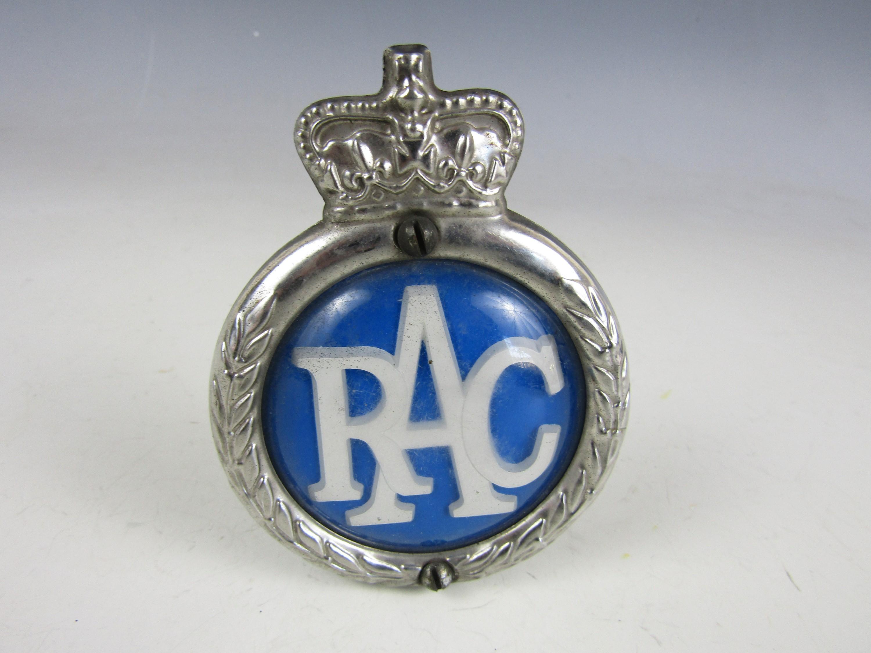 Lot 16 - An RAC car badge