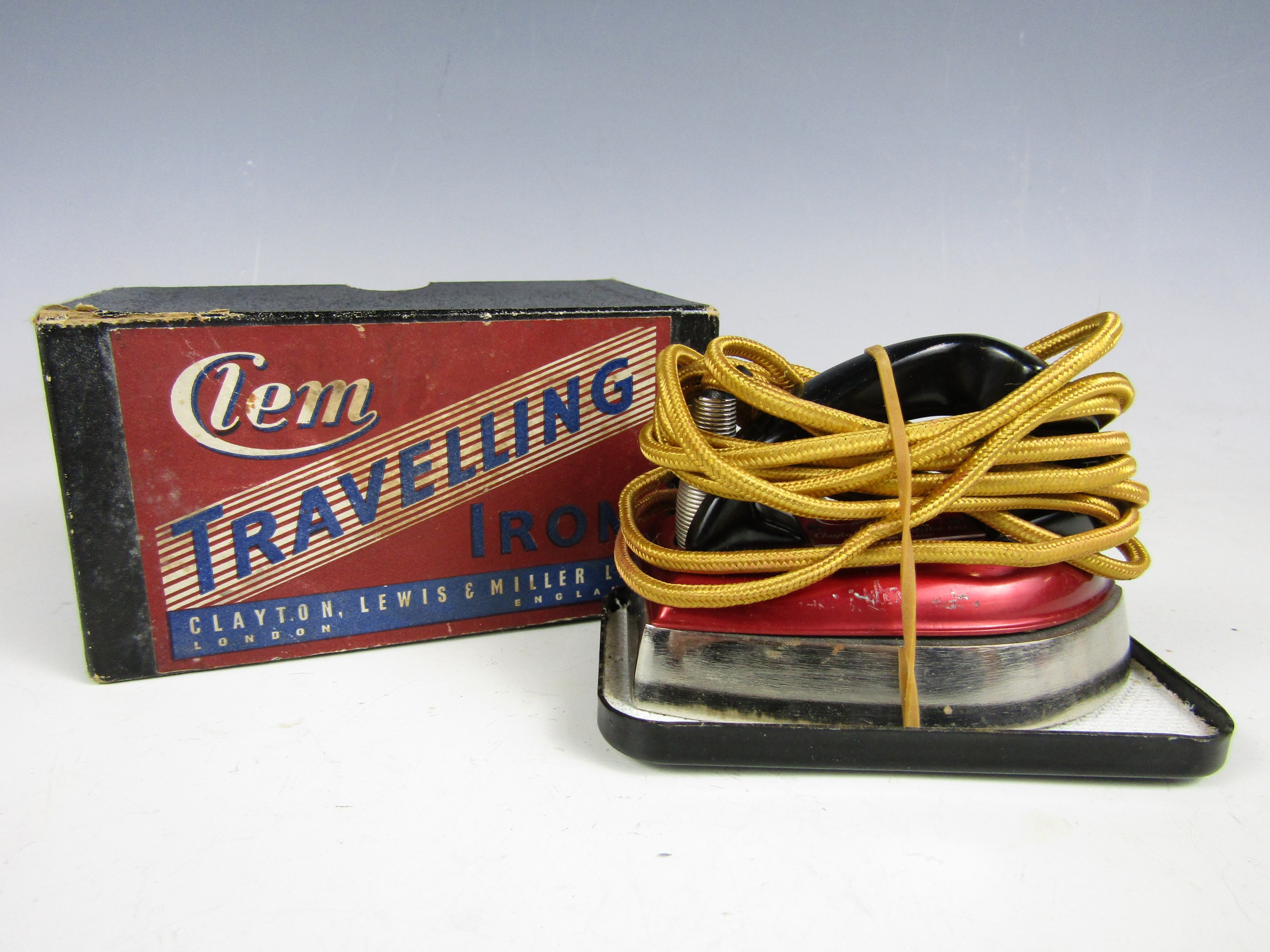 Lot 32 - A vintage boxed Clem travelling iron