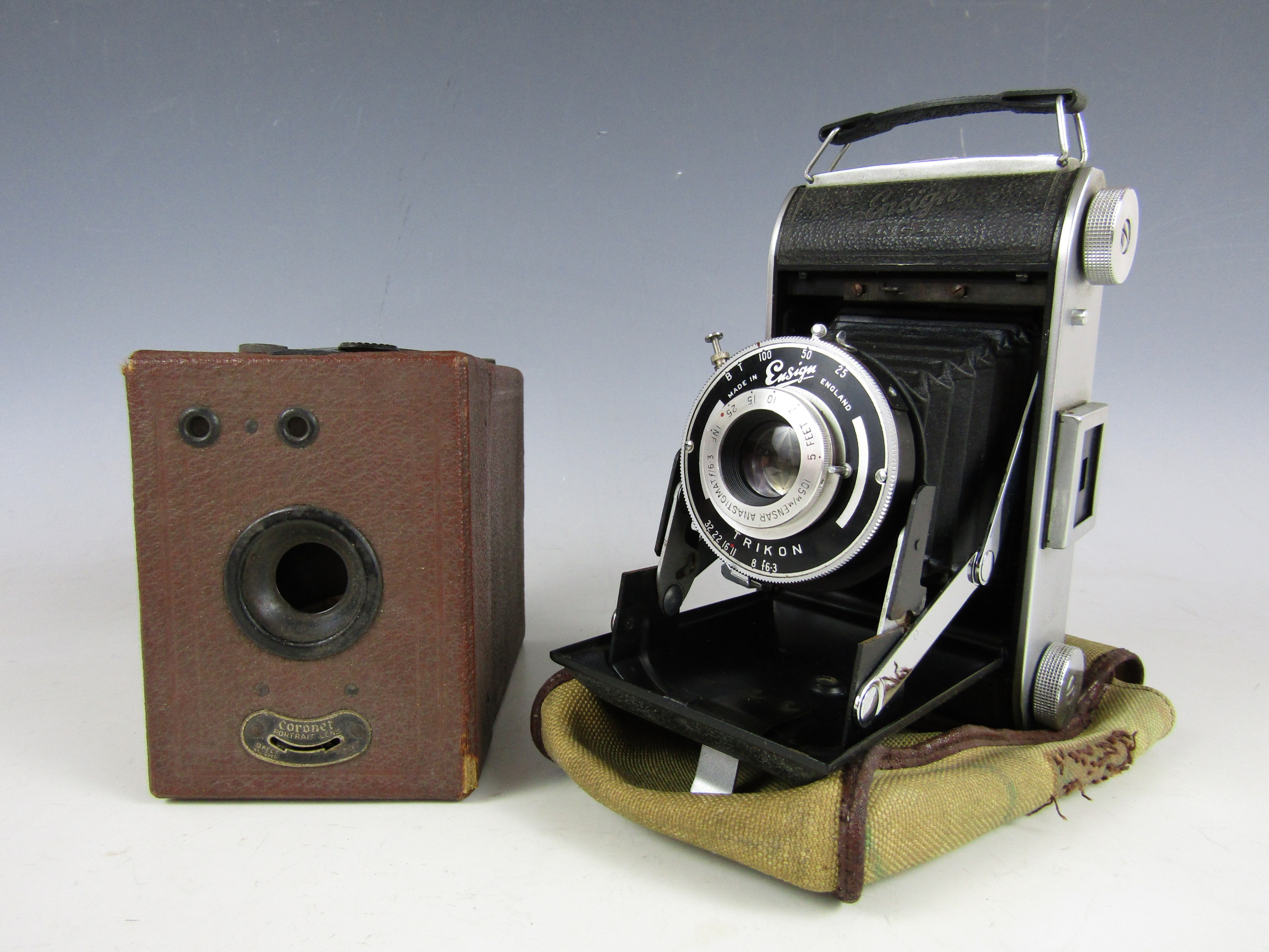 Lot 55 - A vintage Coronet box camera and an Ensign Ranger 2 folding rollfilm camera