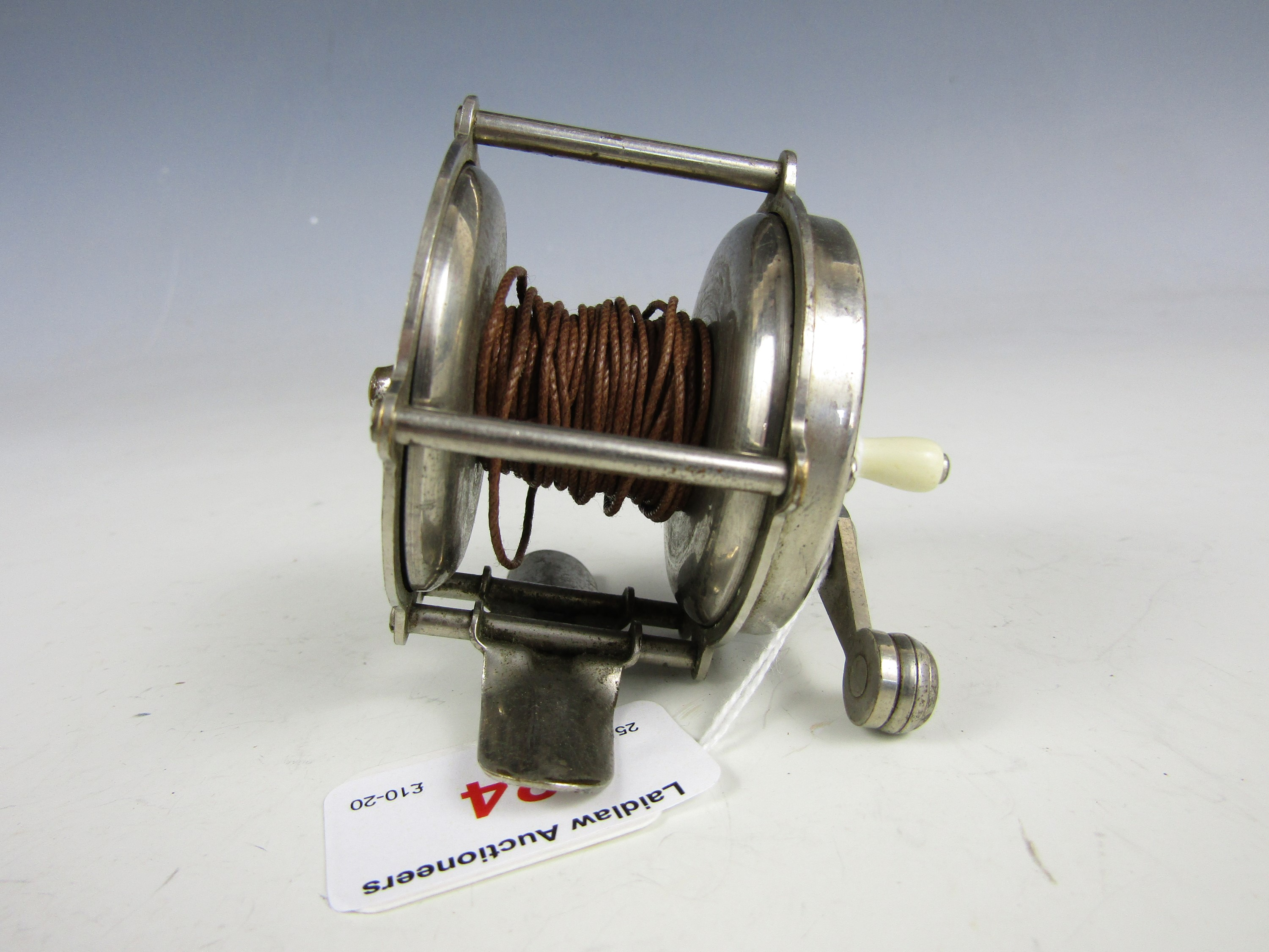 Lot 24 - A vintage Portage Atlas fishing reel