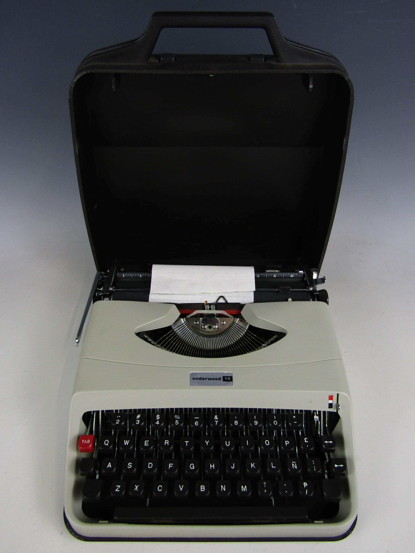 Lot 11 - An Underworld 19 portable typewriter