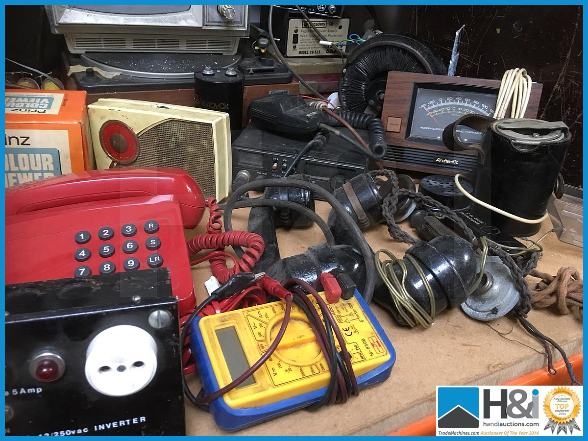 Lot 433 - Last lot of the sale, mixed lot of unsorted radio, communications, test, TV related items all untest