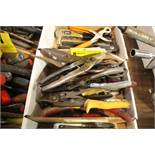 ASSORTED SHEARS IN BOX