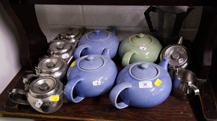 SELECTION OF TEAPOTS,