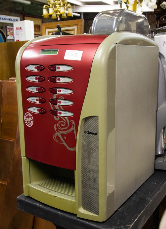 SAECO COFFEE MACHINE - BEAN TO CUP