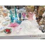 A quantity of assorted vintage glassware including Murano