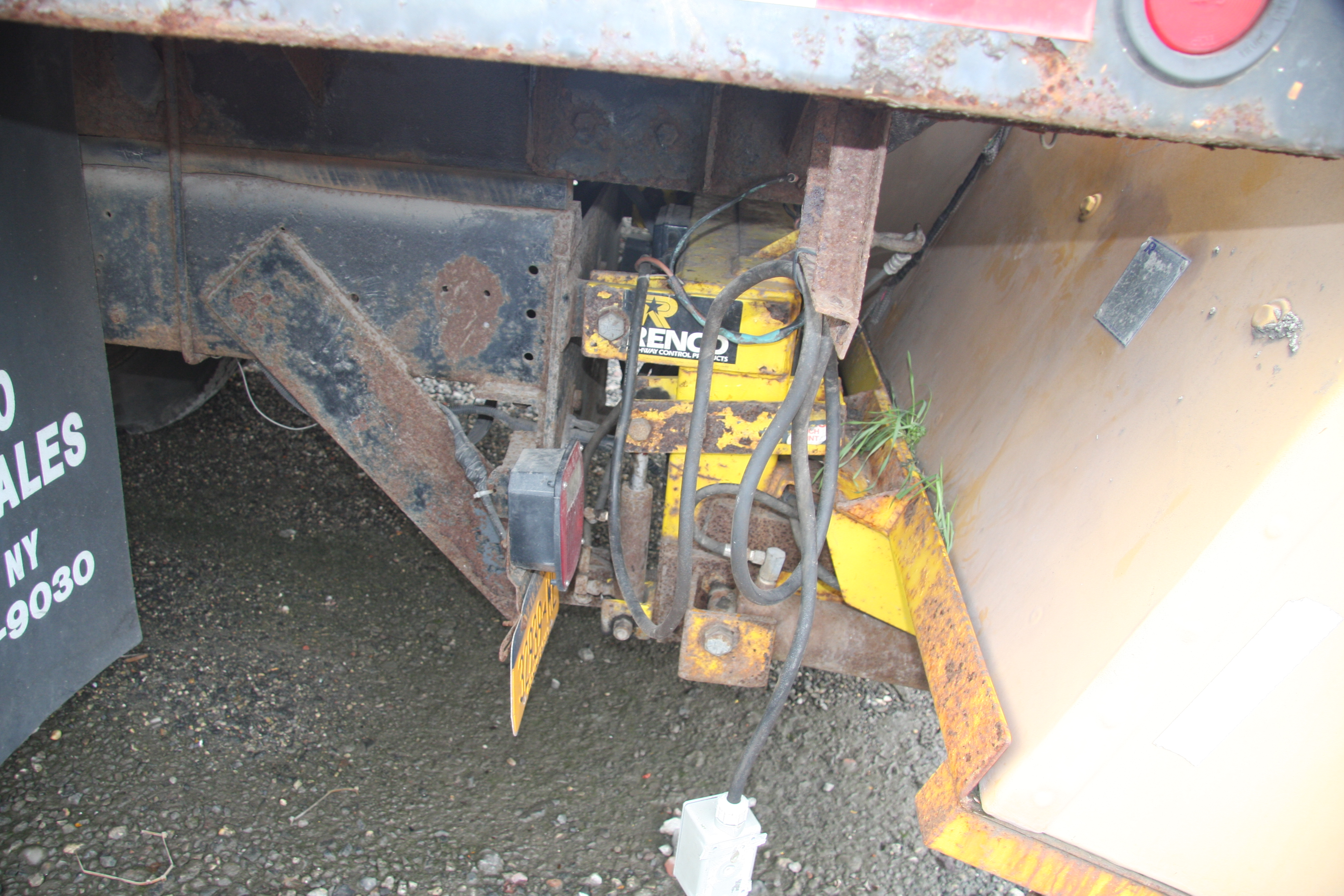 """Lot 24 - 1996 INTERNATIONAL 4700X2 ATTENUATOR TRUCK, 16' STEEL DECK, APPROXIMATELY 67,410 MILES, RENCO """"RAMCO"""