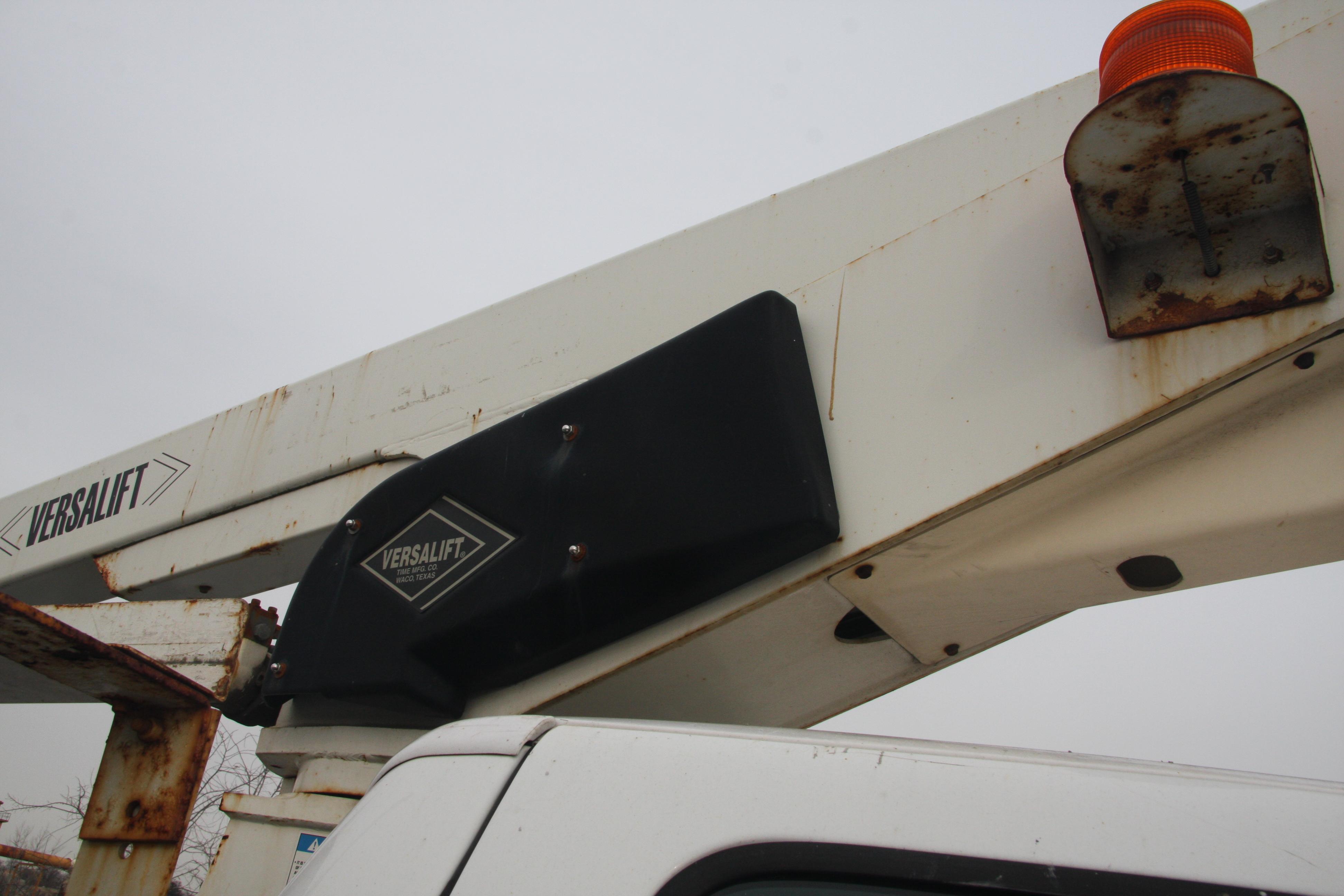 Lot 29 - 2008 FORD F350 XL SUPER DUTY UTILITY TRUCK, VERSALIFT MDL. TEL-29-N/NE ELECTRIC HYDRAULIC BUCKET