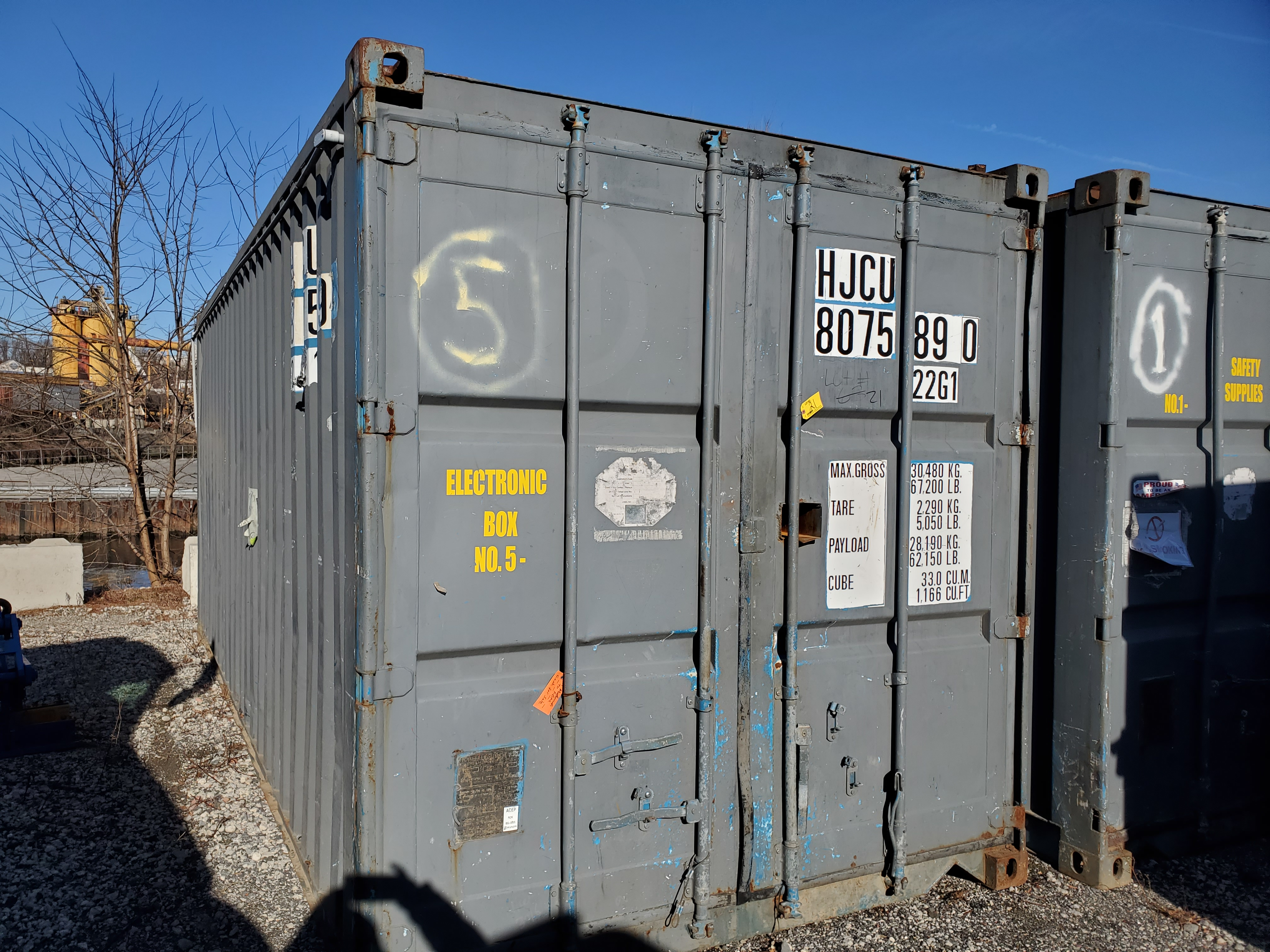 Lot 21 - 20' SHIPPING CONTAINER [LOCATED @ 6 CANAL ROAD, PELHAM, NY (BRONX)]
