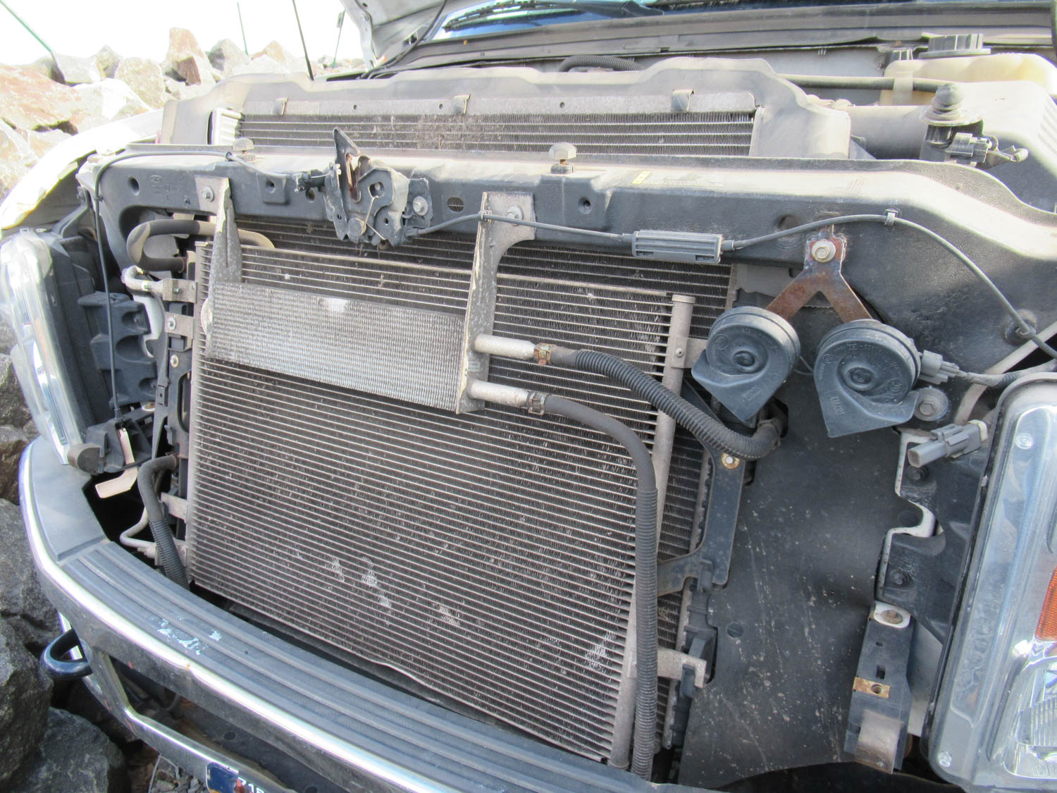 Lot 36 - 2009 FORD F-250 XL SUPER DUTY UTILITY TRUCK, 4-DOOR, 4-WHEEL DRIVE, CLOTH SEATS, APPROXIMATELY 116,