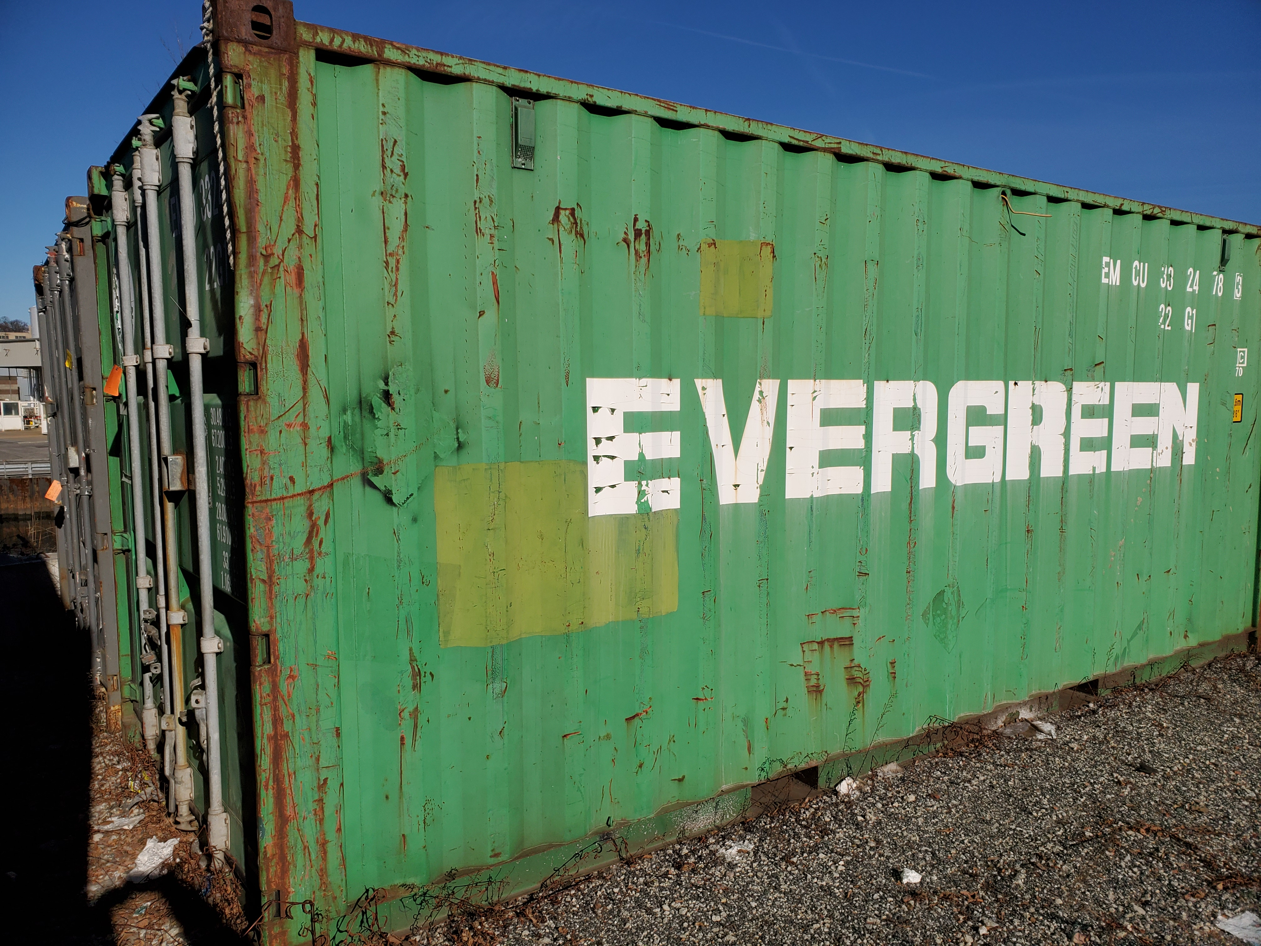 Lot 16 - 20' SHIPPING CONTAINER (EVERGREEN) [LOCATED @ 6 CANAL ROAD, PELHAM, NY (BRONX)]