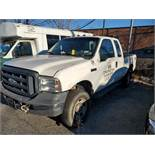 2006 FORD F-250 XL SUPER DUTY PICKUP TRUCK, 4-WHEEL DRIVE, AUTOMATIC, APPROXIMATELY 95,601 MILES,