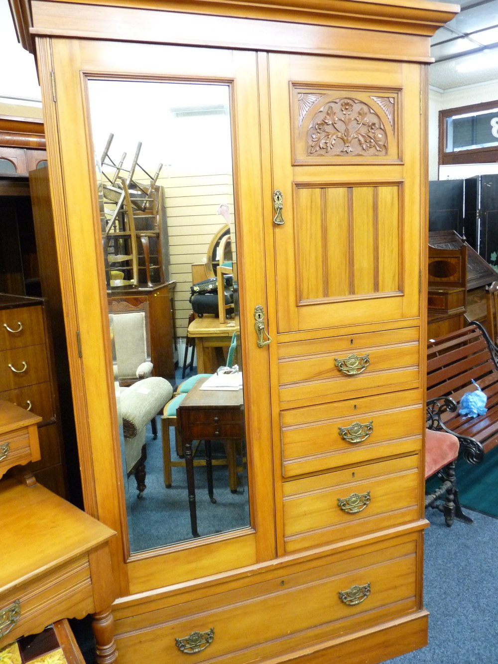 Lot 34 - EDWARDIAN SATINWOOD THREE PIECE BEDROOM SUITE comprising mirrored wardrobe and dressing table with a