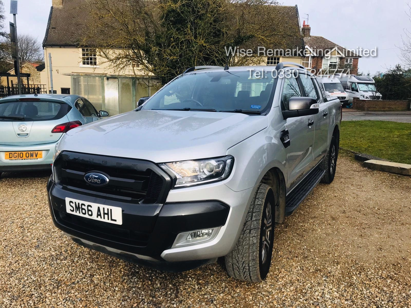 Ford Ranger 3.2 TDCI WILDTRAK - Auto - 2017 Model - 1 Former Keeper - 4x4 - TOP OF THE RANGE - Image 3 of 16