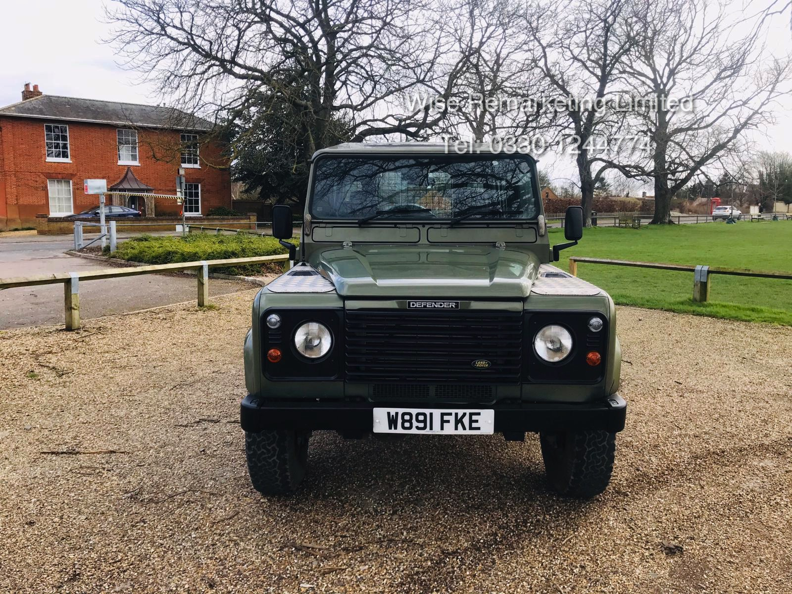 (RESERVE MET) Land Rover Defender 90 County 2.5 TD5 - 2000 Year W Reg - 7 Seater- SAVE 20% NO VAT - Image 4 of 12
