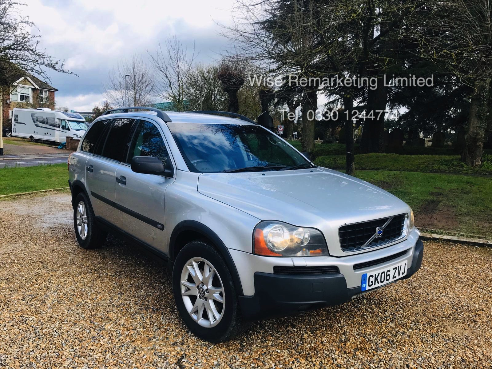 Volvo XC90 2.4 D5 Special Equipment Geartronic - 2006 06 Reg - Service History - 7 Seats - Sat Nav - Image 2 of 27