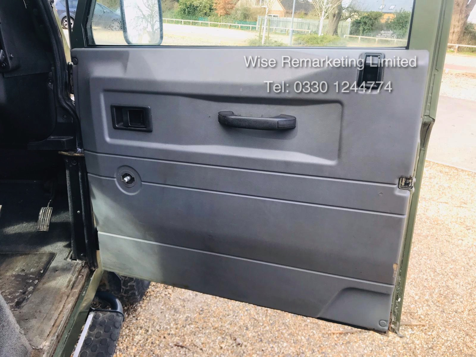 (RESERVE MET) Land Rover Defender 90 County 2.5 TD5 - 2000 Year W Reg - 7 Seater- SAVE 20% NO VAT - Image 10 of 12