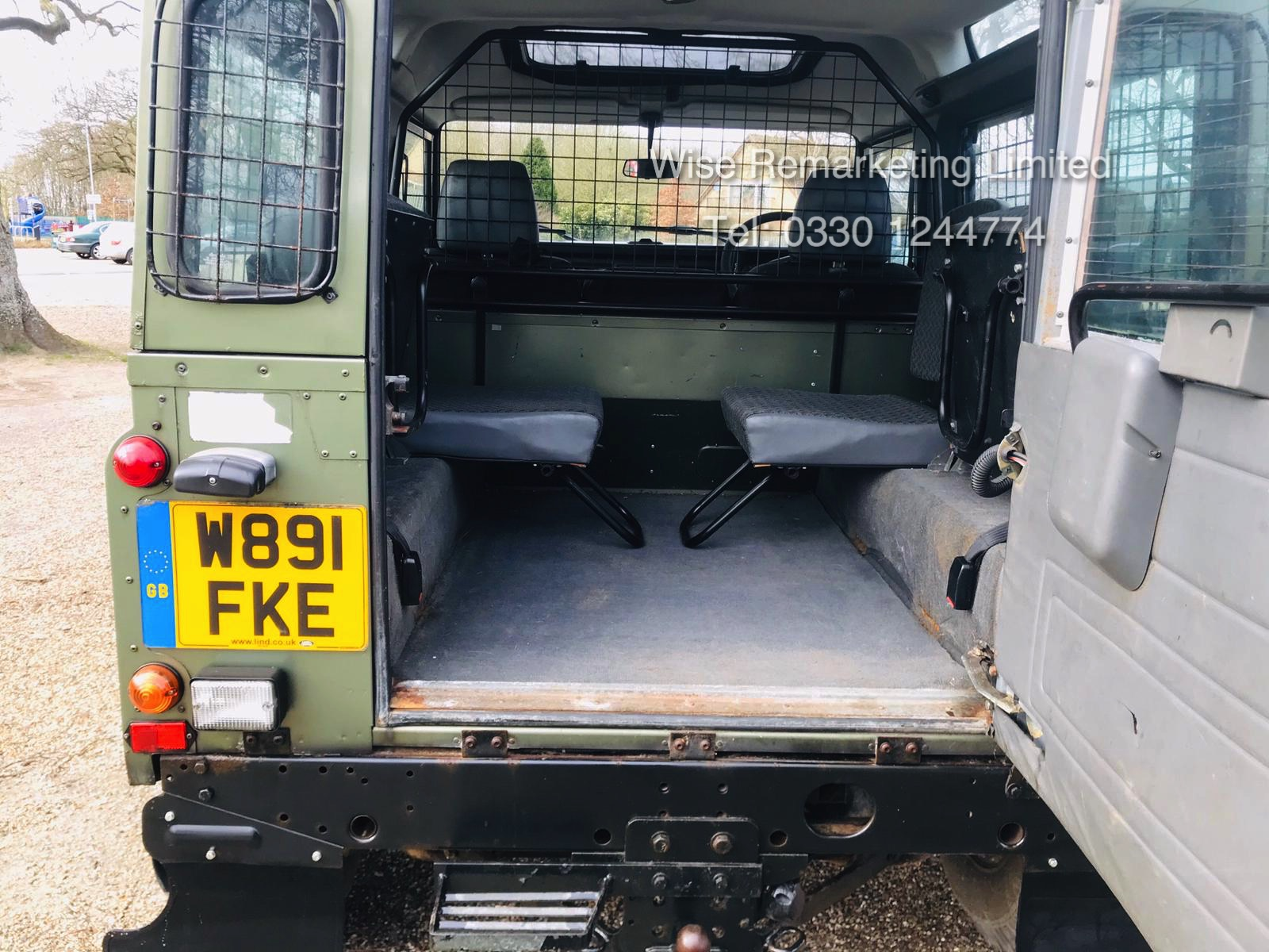 (RESERVE MET) Land Rover Defender 90 County 2.5 TD5 - 2000 Year W Reg - 7 Seater- SAVE 20% NO VAT - Image 7 of 12