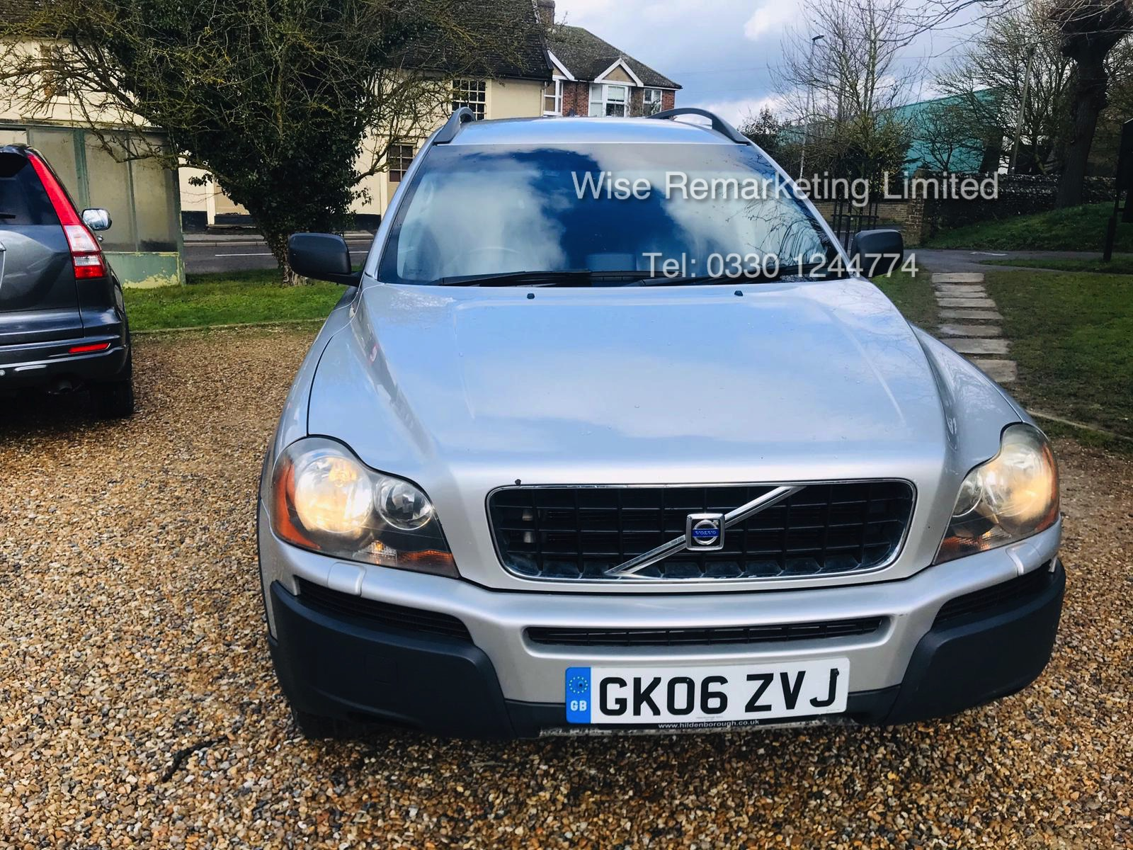 Volvo XC90 2.4 D5 Special Equipment Geartronic - 2006 06 Reg - Service History - 7 Seats - Sat Nav - Image 4 of 27