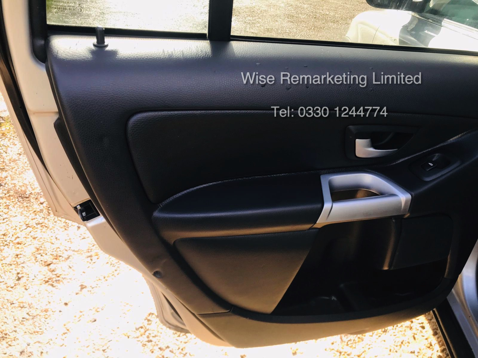 Volvo XC90 2.4 D5 Special Equipment Geartronic - 2006 06 Reg - Service History - 7 Seats - Sat Nav - Image 14 of 27