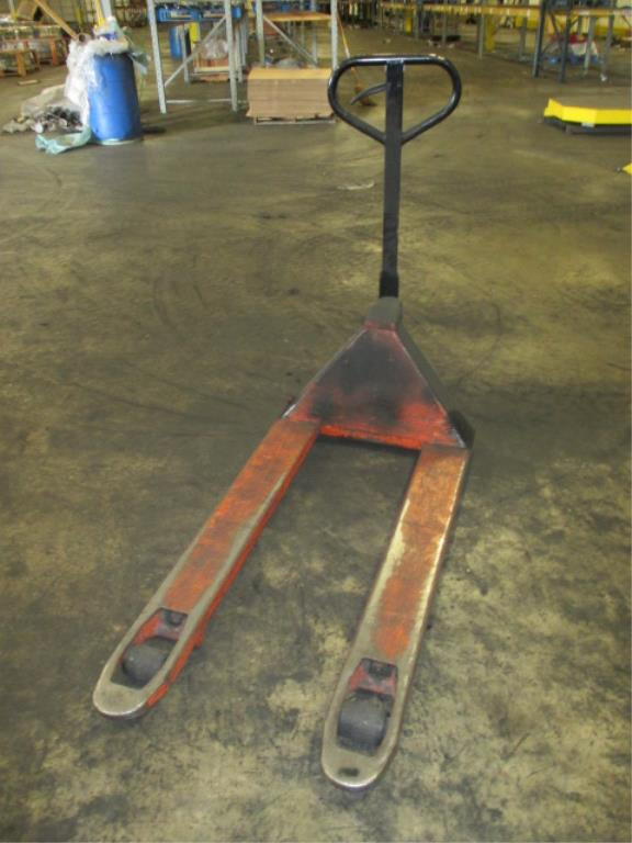 Lot 123 - Toyota Pallet Jack. HIT# 2188117. Building 1. Asset(s) Located at 1578 Litton Drive, Stone Mountain,