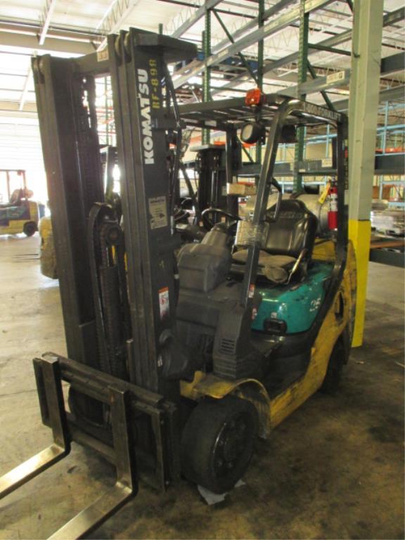 Lot 105 - Komatsu FG25ST-16 4-Wheel LP Gas Forklift Truck [propane not included]. MFD: 2007, Hours: 7102.6;