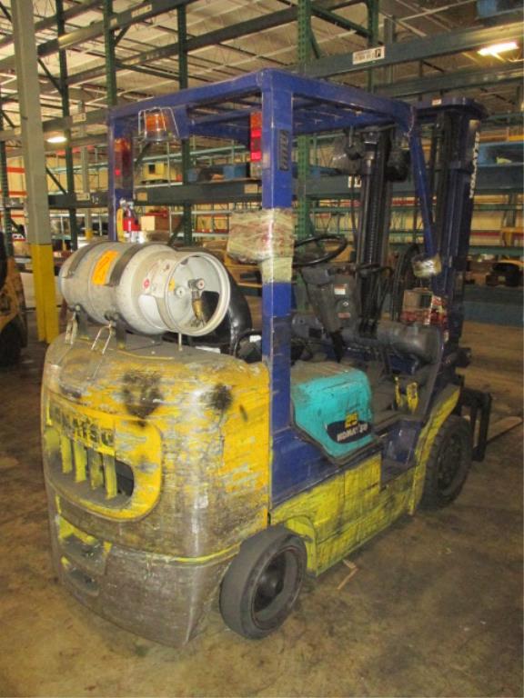 Lot 106 - Komatsu FG25ST-12 4-Wheel LP Gas Forklift Truck [battery dead, propane not included]. Hours: 15279.