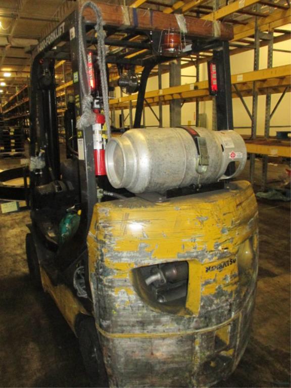 Lot 103 - Komatsu FG25ST-16 4-Wheel LP Gas Forklift Truck [propane not included]. MFD: 2007, Hours: 6213.5;