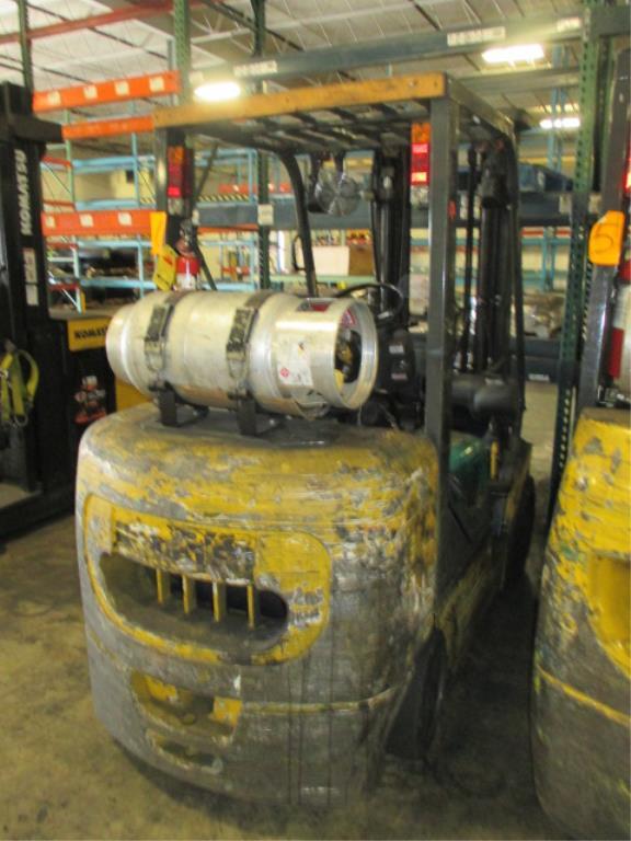 Lot 108 - Komatsu FG30SHT-14 4-Wheel LP Gas Forklift Truck [battery dead, propane not included]. Hours: