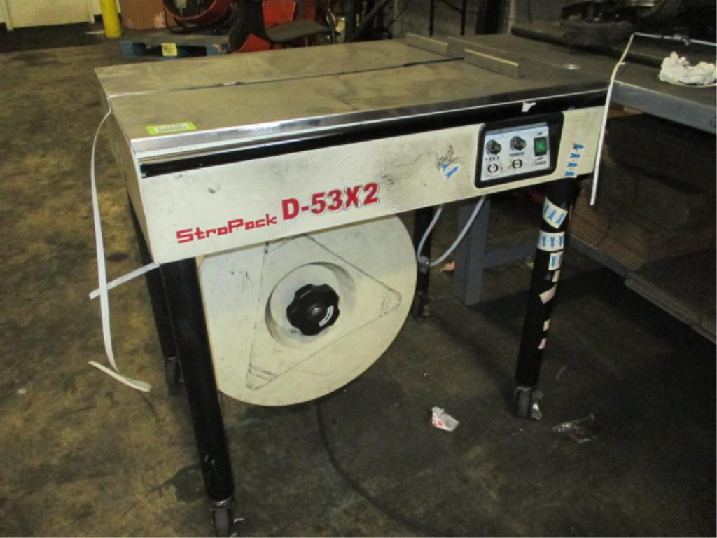 Lot 116 - Strapack D-53X2 Semi-Automatic Box Strapper. HIT# 2188109. Building 1. Asset(s) Located at 1578
