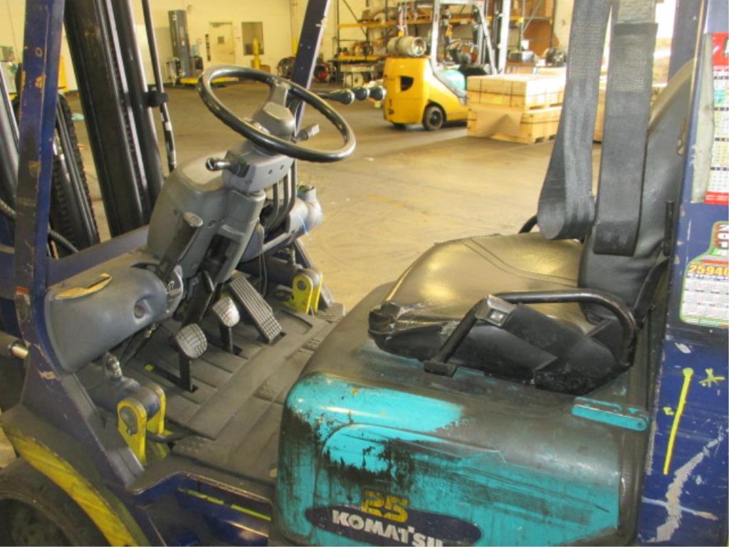 Lot 104 - Komatsu FG25ST-12 4-Wheel LP Gas Forklift Truck [propane not included]. Hours: 10897.8; Triple-Stage