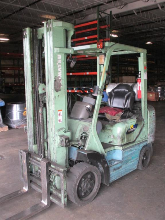 Lot 101 - Komatsu FG25ST-12 4-Wheel LP Gas Forklift Truck [propane not included]. Hours: 10897.8; Triple-Stage
