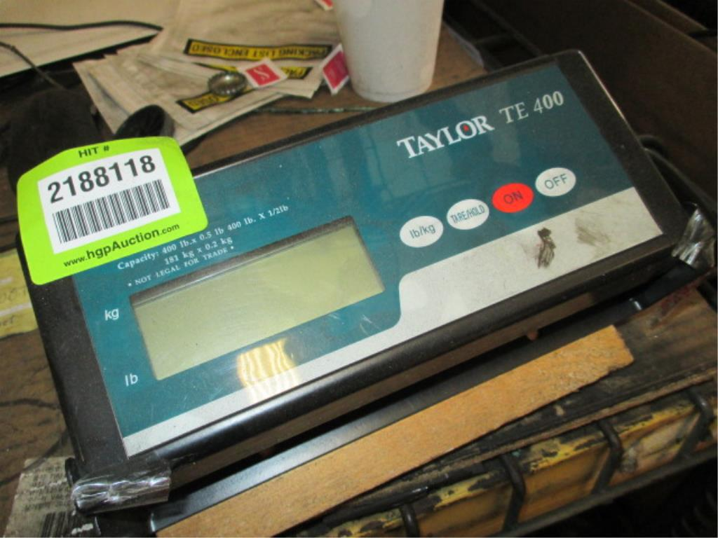 Lot 124 - Taylor TE400 Industrial Scale, 400lbs x 0.5lbs. HIT# 2188118. Building 1. Asset(s) Located at 1578
