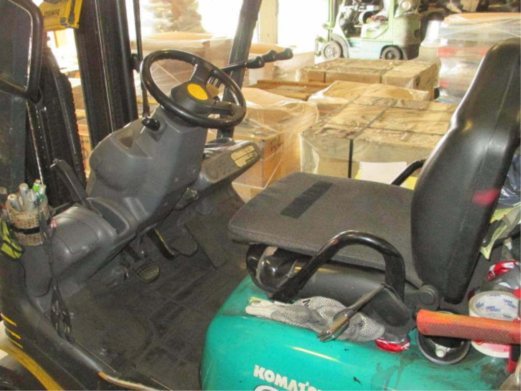 Lot 100 - Komatsu FG25ST-16 4-Wheel LP Gas Forklift Truck [propane not included]. MFD: 2007, Hours: 5723.0;