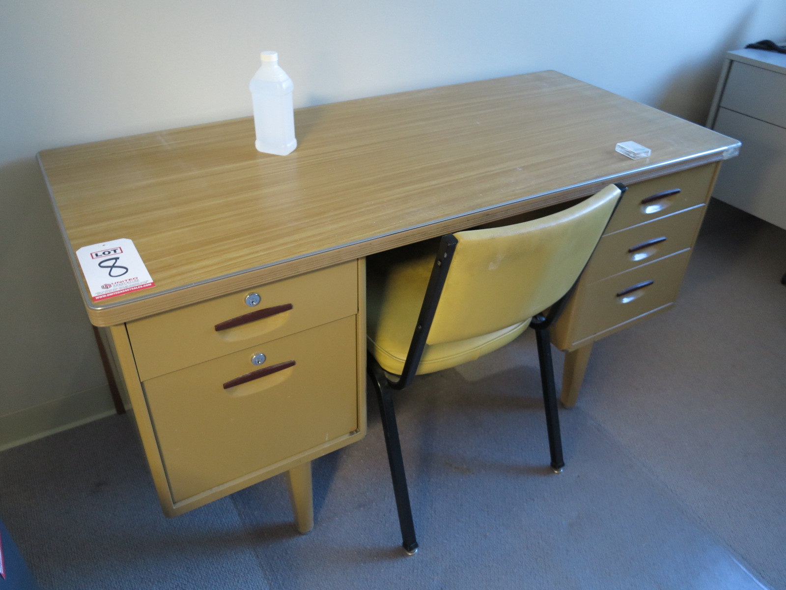 LOT - RETRO OFFICE DESK AND CHAIR