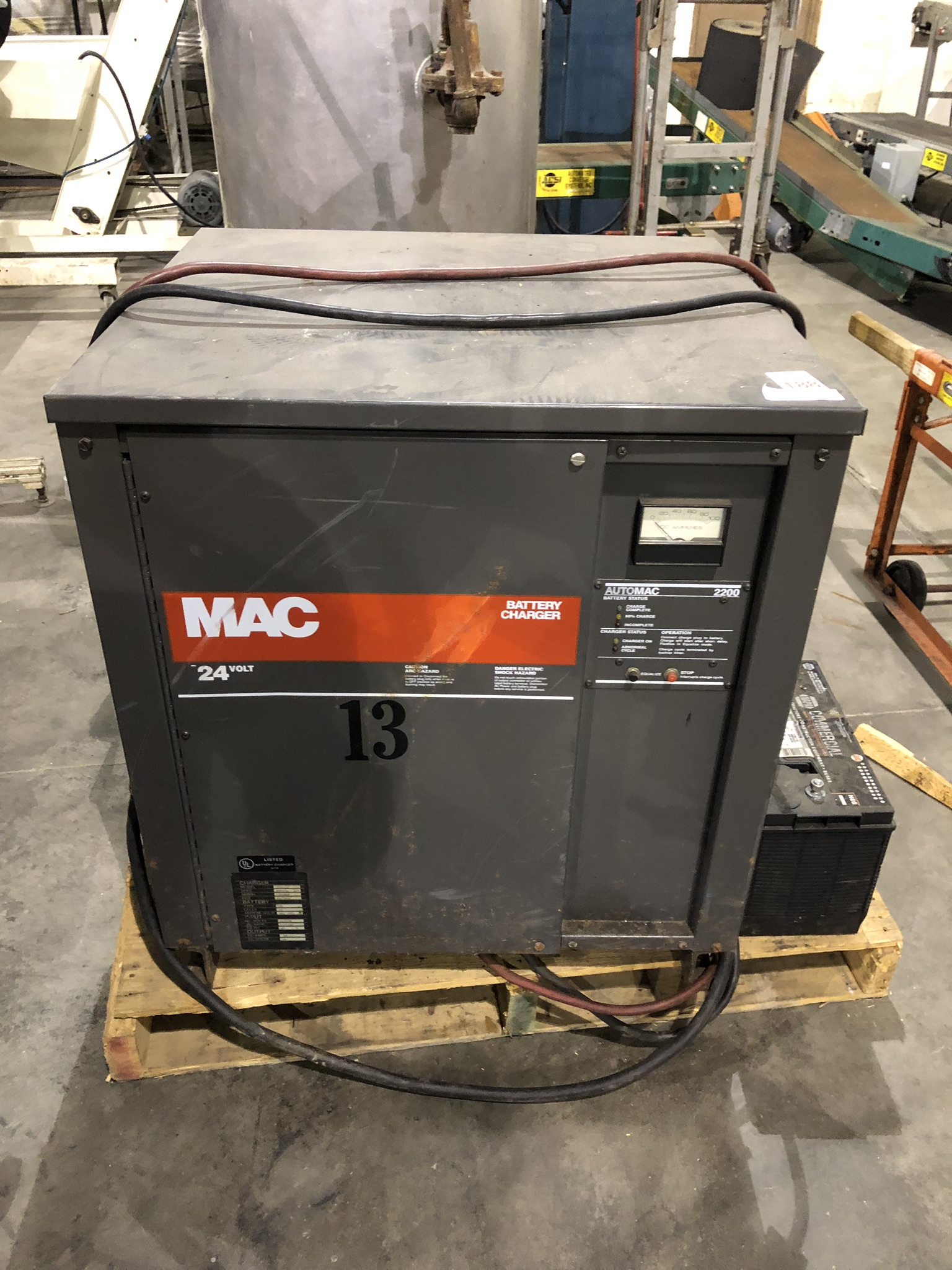 Lot 148 - Battery Charger