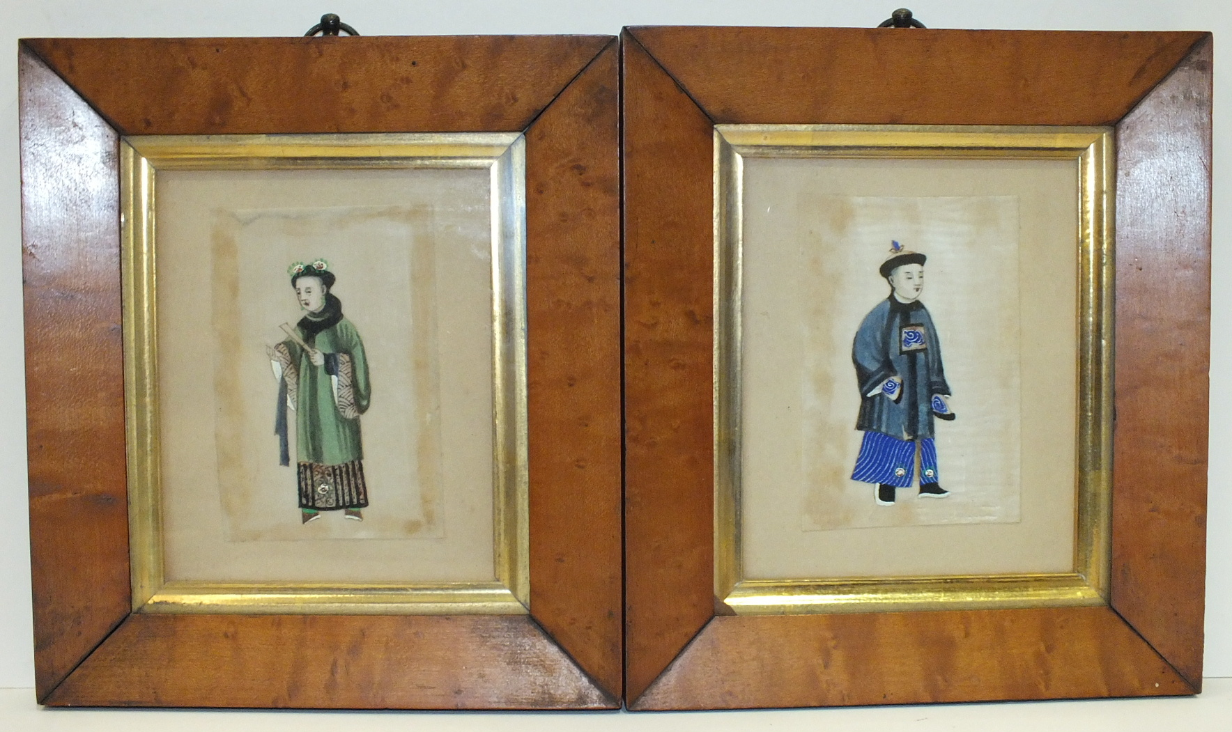 A late-Victorian/Edwardian miniature study of a gentleman 'Mr Riply, Bradford', in circular wooden - Image 4 of 5