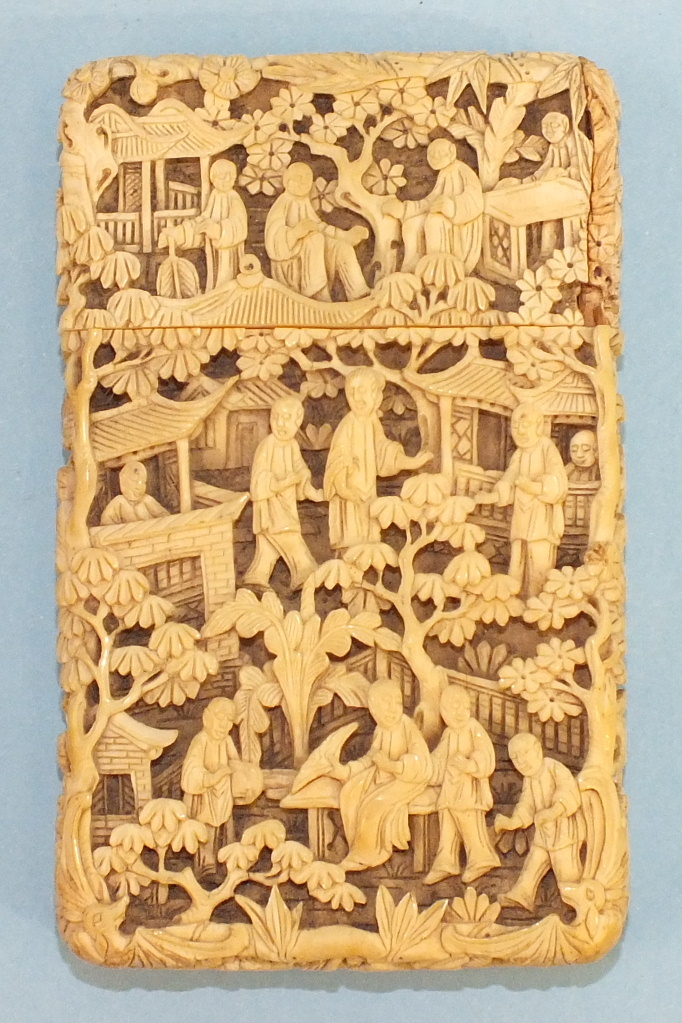 A 19th century Chinese ivory card case deeply-carved with figures in rural pursuits and garden - Image 2 of 11