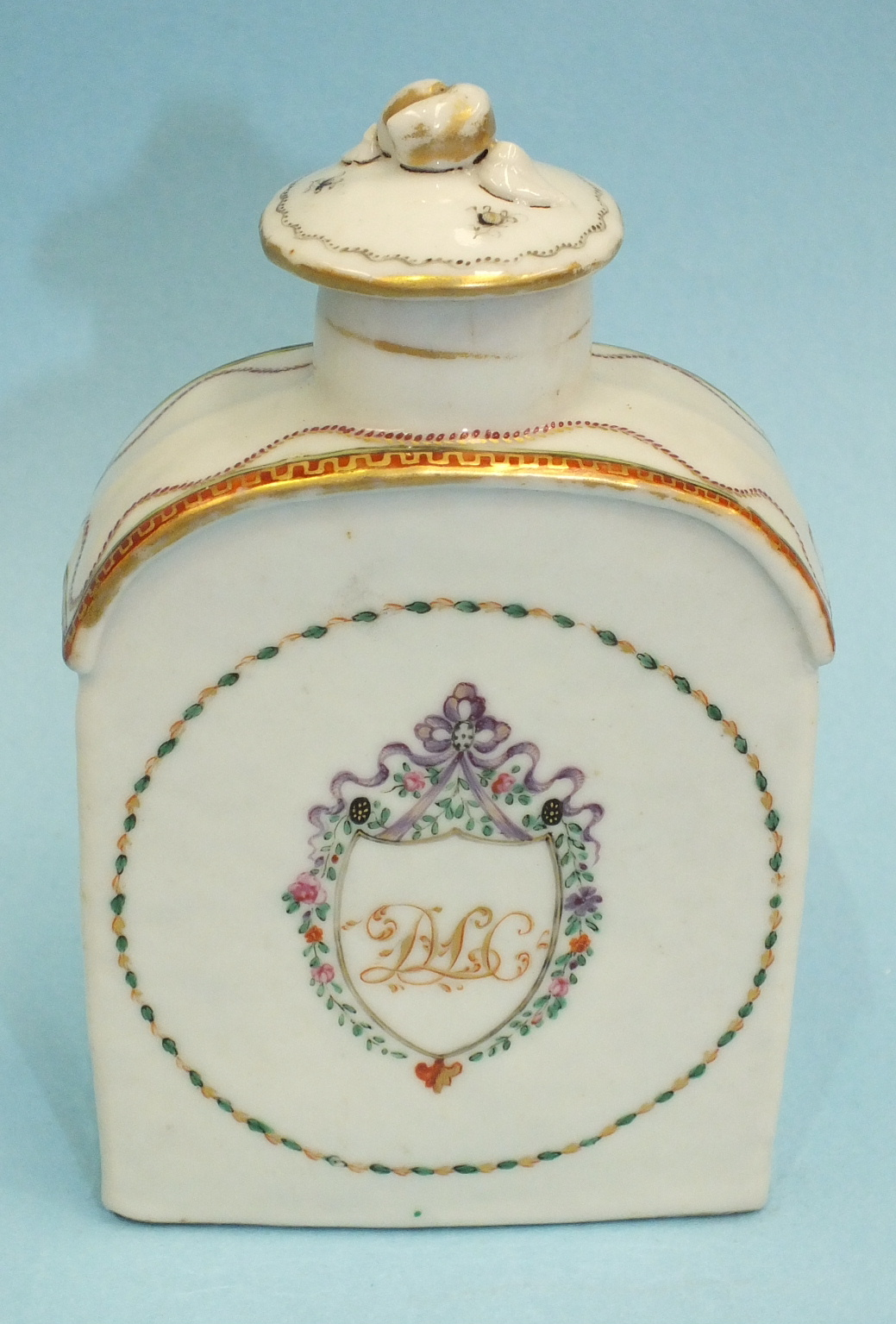 A late-18th century Chinese porcelain teapoy and cover c1790 decorated with an initialled crest, ( - Image 2 of 6